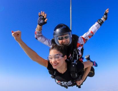 Прыжок с парашютом дубай цена отель дубай казань официальный сайт